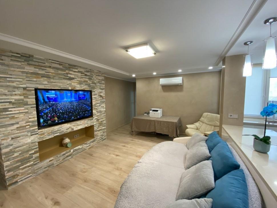 Современная квартира с ремонтом в Аликанте