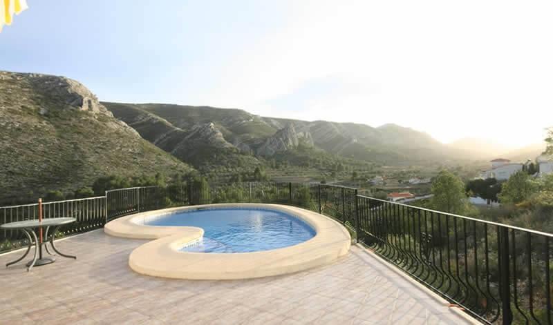 Отдельная вилла с видом на горы и море, Дения