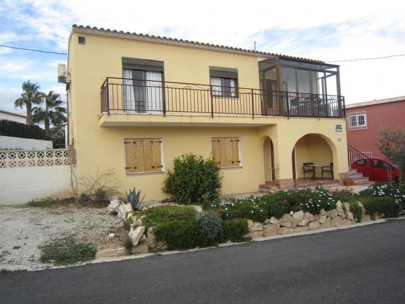 Дом с двумя апартаментами недалеко от центра Кальпе