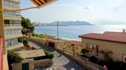 Солнечная квартира с видом на море и пляж Пониенте