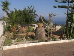 Большой дом с прекрасным видом на море и горы