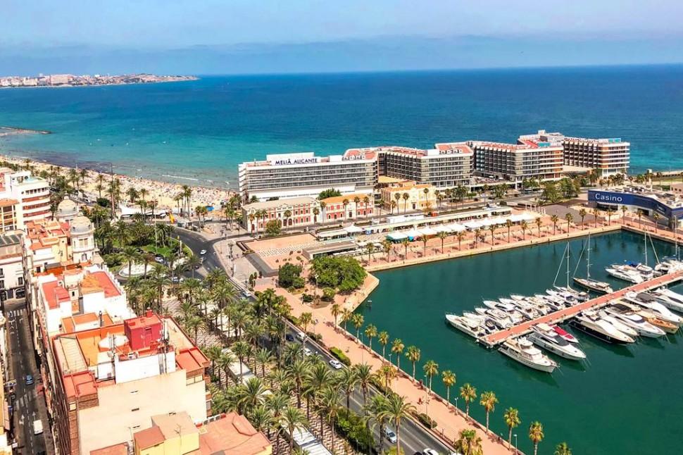Мансардный пентхаус 54 кв.м. с видом на порт Аликанте