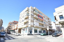 Отличная квартира площадью 103 кв.метра в центре Торревьехи