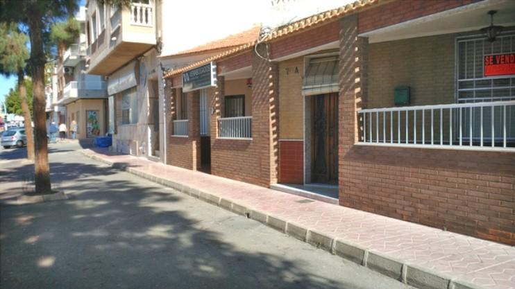 Квартира 120 кв.метров с отдельным входом в Торревьехе