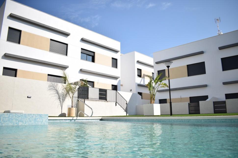 Эксклюзивные дома 138 кв.метров на побережье Коста Бланка
