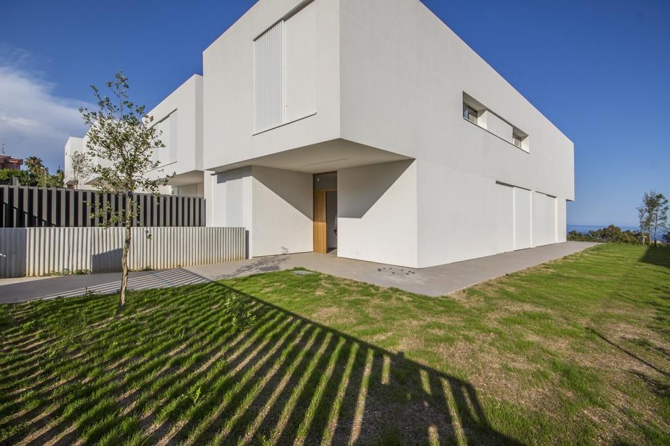 Новый оборудованный дом 418 кв.м. в Вилассара де Дальта, Барселона