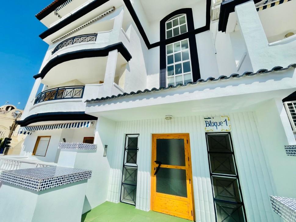 Шикарная квартира 60 кв.метров у моря в Торревьехе