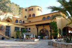 Огромная вилла с 10 спальнями в Альтее