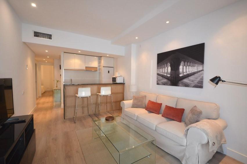 Красивая квартира 75 кв.метров с ремонтом, Мадрид (Саламанка)