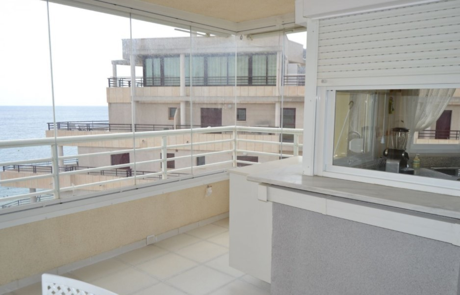 Квартира 90 кв.м. в Кальпе с видом на море, в закрытом жилом комплексе