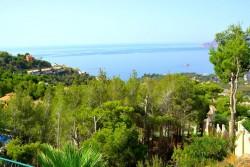 Великолепная кирпичная виллы с видом на море в Альтеа