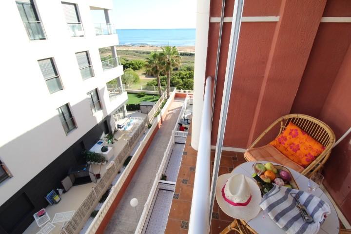 Квартира 45 кв.м. на первой линии пляжа Ла Мата, Торревьеха