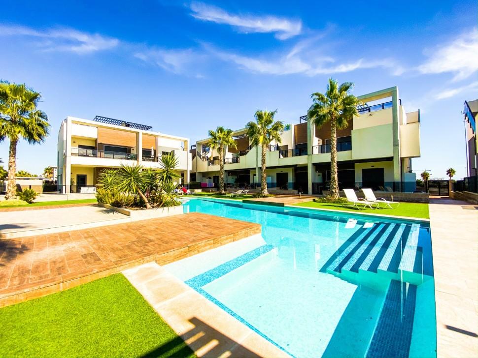 Квартира с большим садом в Эль Расо