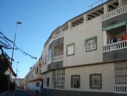 Небольшие апартаменты на 2 этаже с бассейном