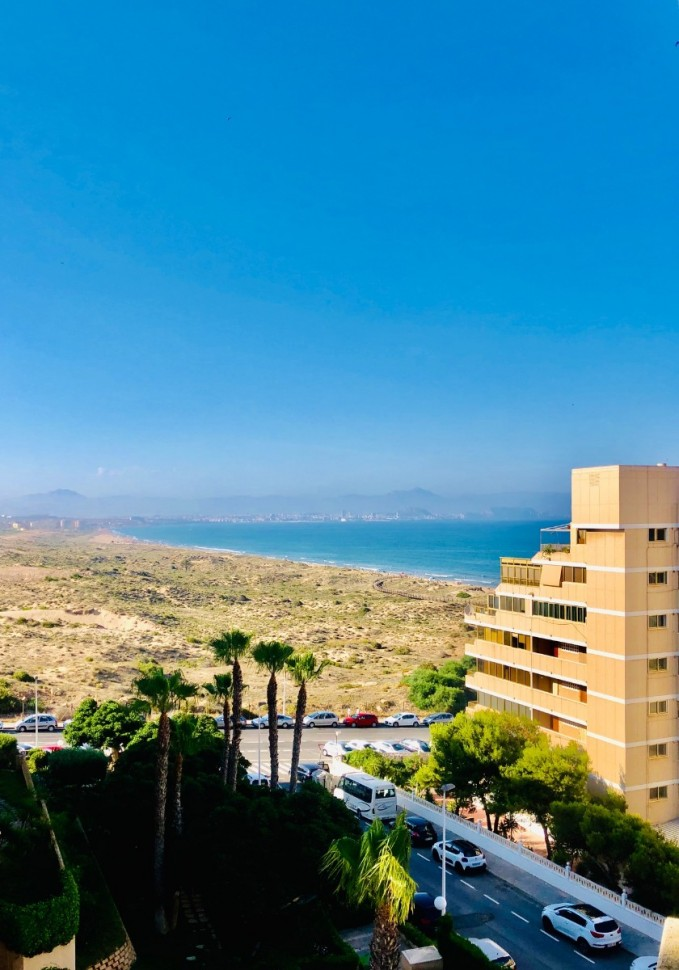 Квартира 75 кв.м рядом с пляжем в Arenales del Sol
