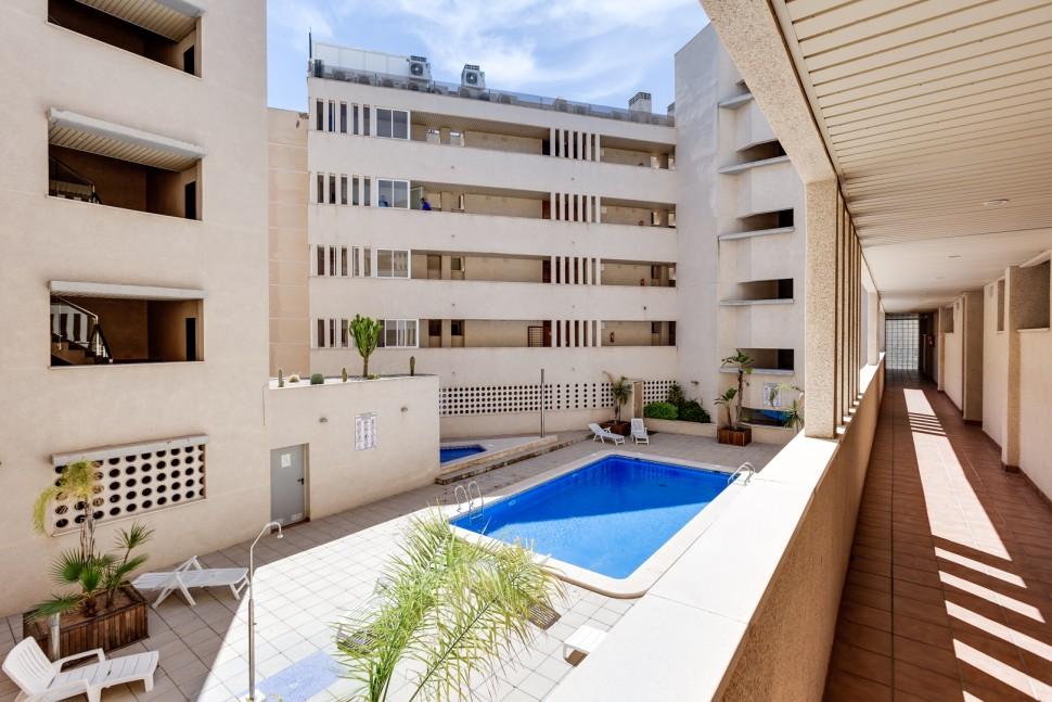 Хорошая квартира 47 кв.м. у моря в Торревьехе