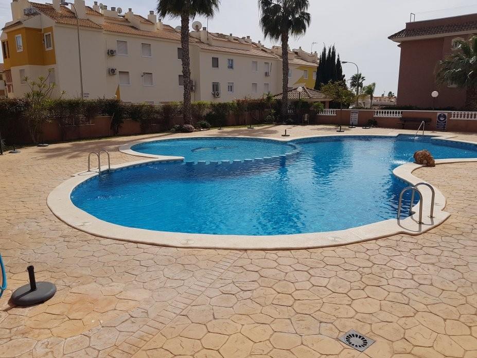 Квартира-бунгало на первом этаже в Aguas Nuevas, La Mata