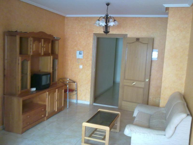 Небольшая квартира с хорошим видом в Торревьехе