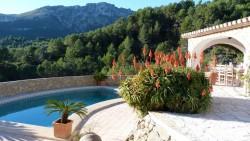 Комфортабельная вилла с шикарным видом на горы в Бенисе