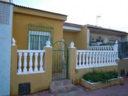 Меблированная двухэтажная вилла в Торревьехе