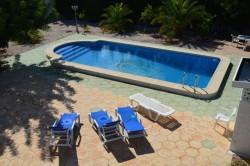 Вилла с бассейном и ремонтом в р-не Эль Чапараль