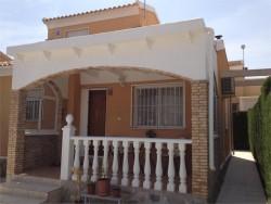 Невероятный дом с солярием в Торревьехе