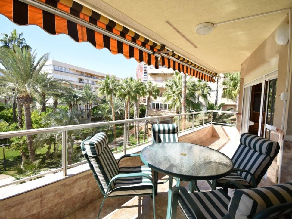 Квартира с видом на парк Пальмераль и Плайя де Лос Локос