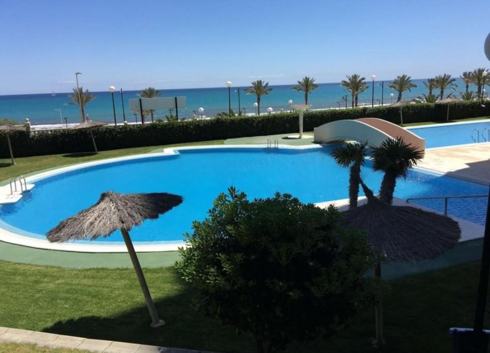 Квартира 90 кв.метров на первой линии пляжа Мухависта