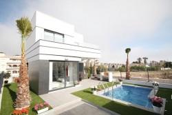Последние новые дома в стиле Хай Тек в Кампоаморе