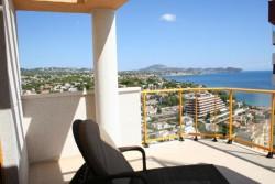 Большие апартаменты в нескольких метрах от моря в Кальпе