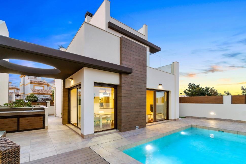 Великолепные дома в Лос-Монтесиносе