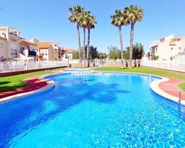 Красивое бунгало 70 кв.м в Playa Flamenca