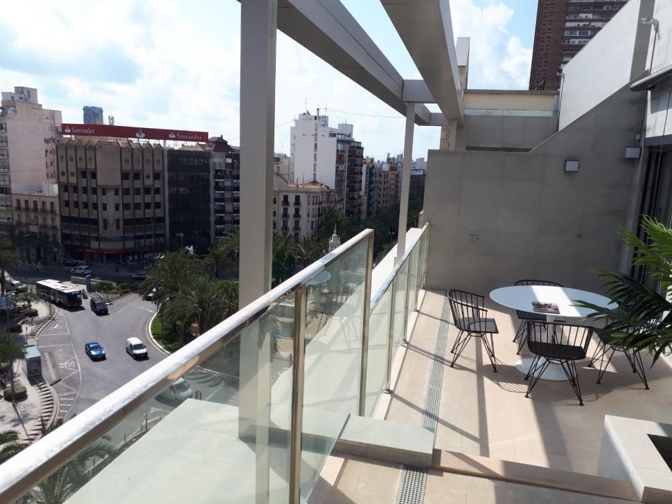 Роскошный пентхаус 230 кв.м. в центре Аликанте