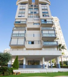 Большая квартира в отличном районе в Бенидорме