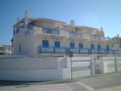 Бунгало новой постройки с видом на море